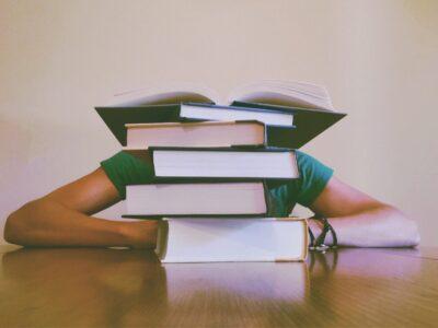【市販教材5冊でOK】TOEIC860点の筆者がおすすめするTOEIC勉強法&参考書